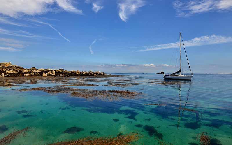 Les eaux cristallines de la mer d'Iroise © Yvon Boelle