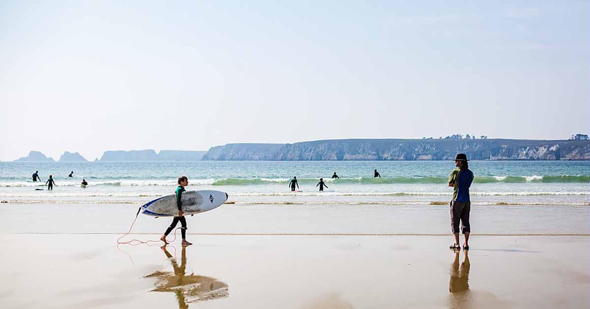 Surf face à la pointe de Pen Hir © L'oeil de Paco
